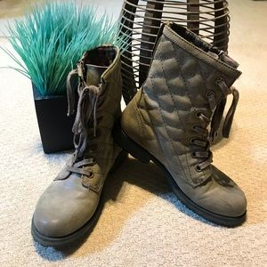 Roxy Quilted Booties
